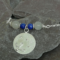 Daisy Patterned Silver Necklace with Lapis Lazuli Beads