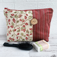 Woodland Leaves Toiletry Bag