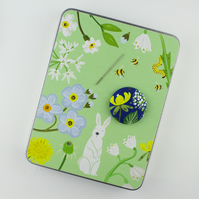 Sewing Tin & Magnetic Needle Minder