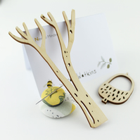 Thread Holder & Needle Minder Set