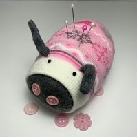 Snowy Sock Pig Pin Cushion
