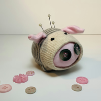 Perky Sock Pig Pin Cushion