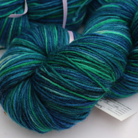 Stained Glass - Superwash wool-nylon 4 ply yarn