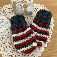 Hand Knitted Baby Mittens 0-6 months
