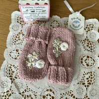 Hand Knitted Baby Mittens 3-9 months