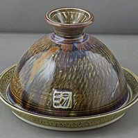 Pottery butter dish  9748 stoneware h112 x 155mm 500g