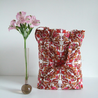 Tote or shopping bag in vintage fabric with foldaway pouch