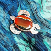 Copper turtle brooch with brown agate (BR 23)