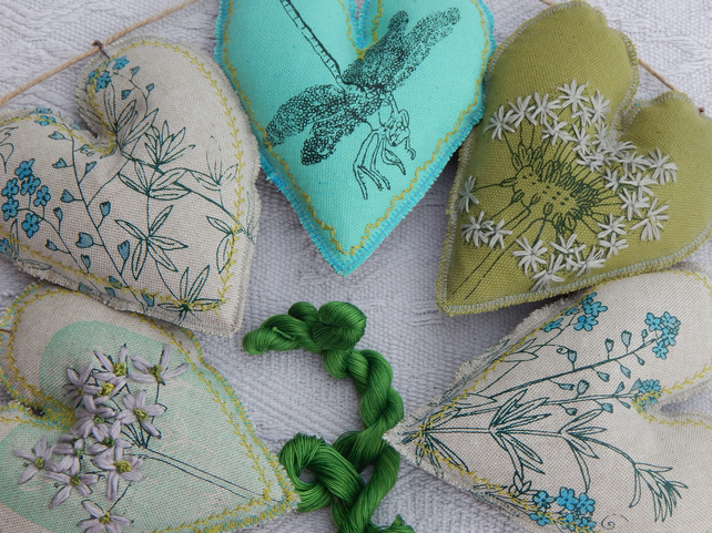 Dragonfly and wild flower hearts - 60 cm - Bunting, wall hanging
