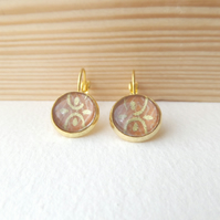 Neutral brown, Earrings yellow Gold Dangle Drop lever back earrings