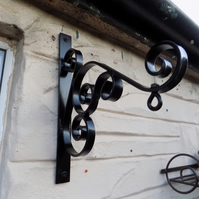 Hanging Basket Bracket...........Wrought Iron (Forged Steel) Free Fitting Kit