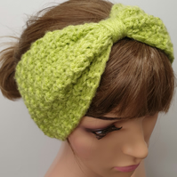Hand knitted women turban headband.
