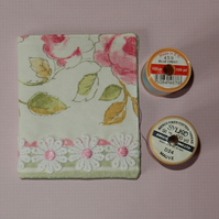 Needle case - roses and daisies