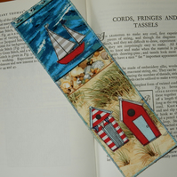 Bookmark Beach huts and boat