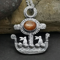 Little Hare Viking Ship with Sunstone