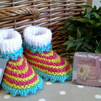 Baby Girl's Hat & Booties Gift set 0-6 months size