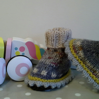 Unisex Baby Booties  0-6 months size
