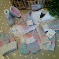 Baby Girl's Leyette Set With Wool, Cotton & Acrylic fibre yarns 0-6 months size