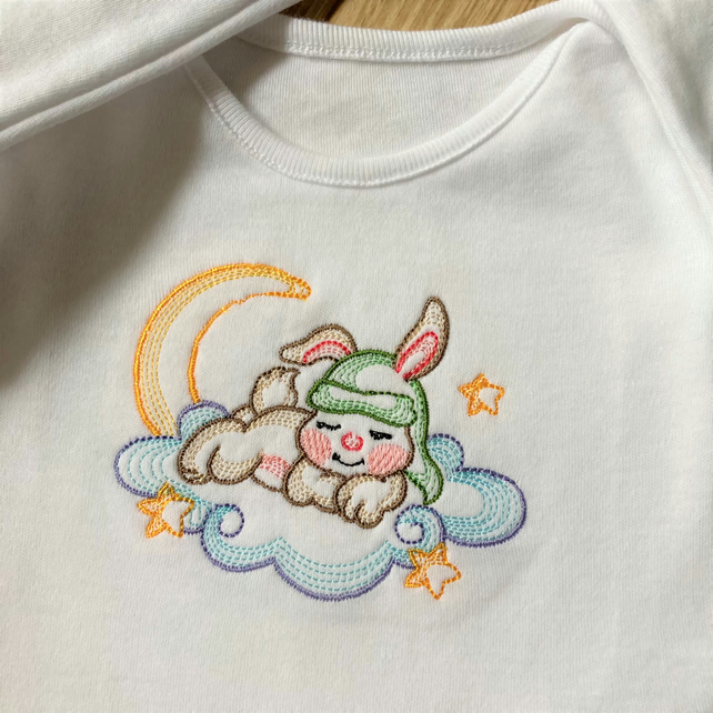0 -3 months long sleeve Baby suit with machine embroidery