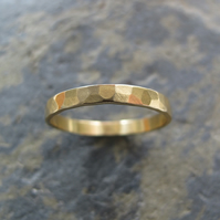 Hammered 18ct gold ring