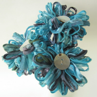 3 Flowers in Aegean Blue