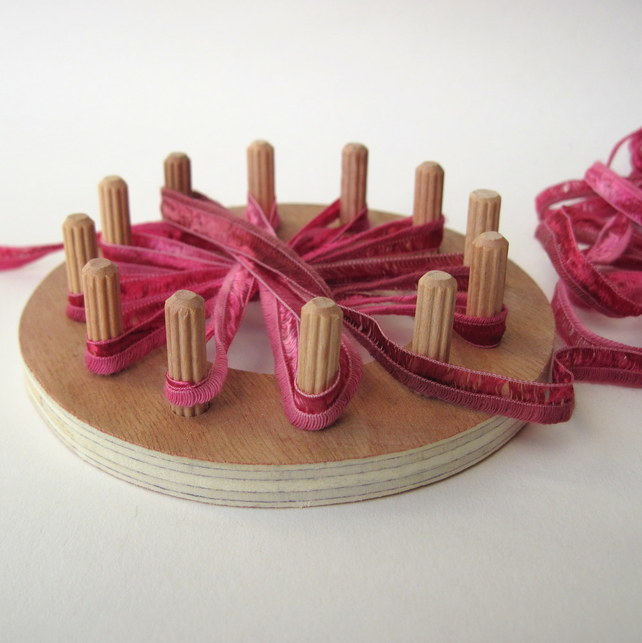 Flower Loom Kit makes 3 ribbon ffflowers, craft kit, daisy loom, how to