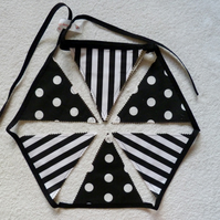 Black and White Lined Bunting. 3.5 m in length and 12 flags. Cream  Backing.