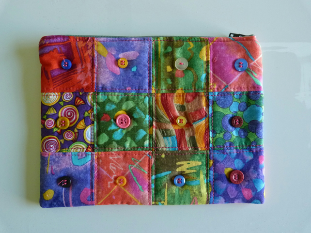Patchwork Quilted Zipped Purse. Fully Lined with Button Embellishment.