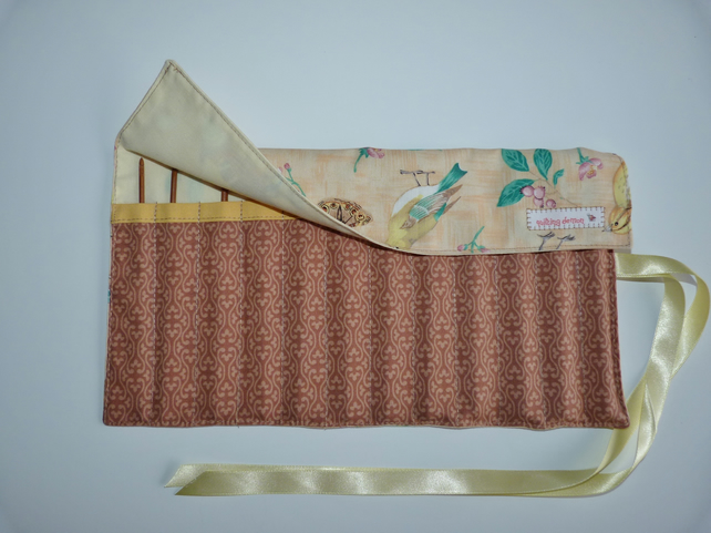Crochet Set with 12 Bamboo Crochet Hooks in Roll Up Holder. Garden Birds