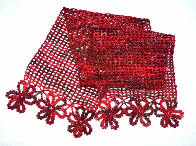 Scarf in Crochet Flower and Mesh Design. Chunky Scarf in Reds