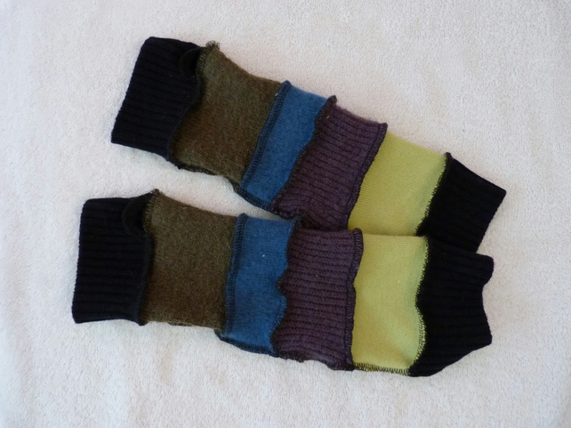 Finger-less Gloves Arm-warmers created from Up-cycled Sweaters. Green. Black