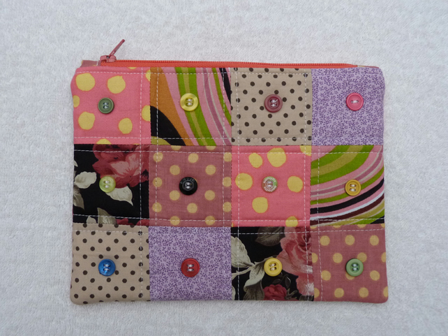 Purse with Button Embellishment. Zipped and Lined. Pieced Patchwork . Pinks.