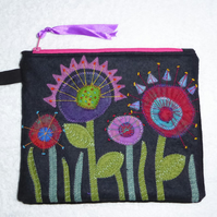 Felt Flower Purse. Applique Flowers on a Zipped Purse. Pink.