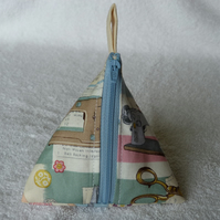 Stitch Marker Holder. Mini Pyramid Purse. Sewing Notions Holder. Sewing Notions