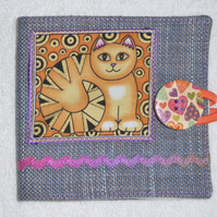 Sewing Needle Case with Applique Cat Panel. Gold Cat.