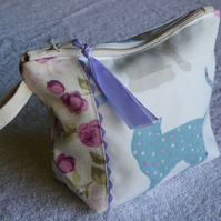 Cats and Roses Zipped Purse. Fully Lined with Gusset and Zip Pull. Ric Rac Trim