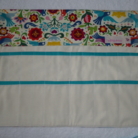 Knitting Needle Roll In Folk Art  Print Cotton with 3 Pairs Bamboo Needles.