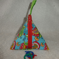 Stitch Marker Holder. Mini Pyramid Purse. Sewing Notions Holder. Flowers onBlue
