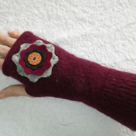 Fingerless Gloves Wrist warmers. Upcycled gloves. Burgundy with Felt Flower