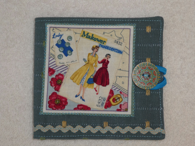 Sewing Needle Case with Sewing Pattern Applique Panel. Blue. Blue lining.