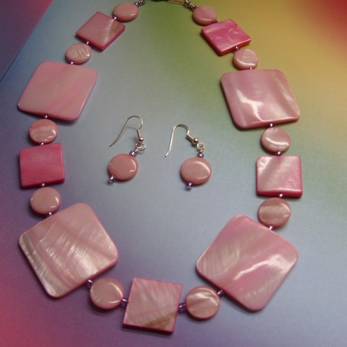 Pink Shell Jewellery Set