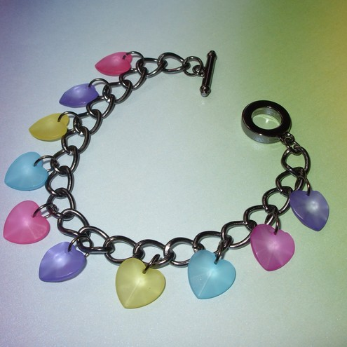 *SALE*Frosted Hearts Gift Boxed Charm Bracelet