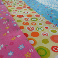 4 Fat Quarter Fabric Bundle (Retro)