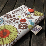 Wild thyme mobile pouch