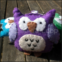 Purple owl keyring