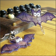 Halloweeny bat earrings