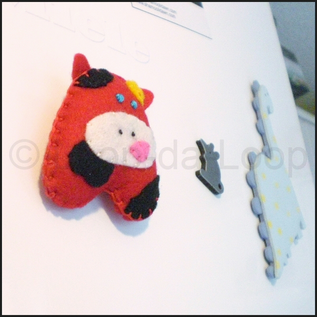Gigi the Heffy Bird fridge magnet