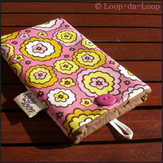 Pink flowers mobile pouch (small)