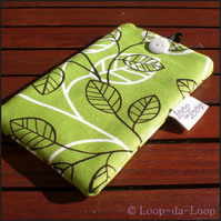Green leaves mobile pouch (small)