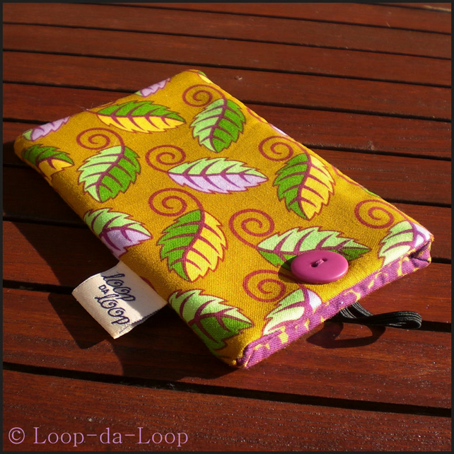 Autumn leaves mobile pouch (small)